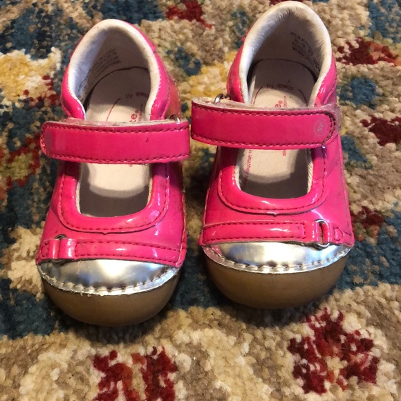 Stride Rite Other - Used stride rite 4m infant shoes pink patent